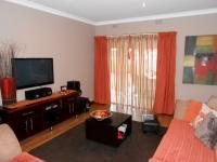 Lounges - 33 square meters of property in Dalview