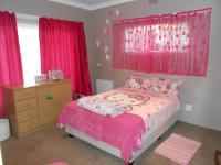 Bed Room 2 - 16 square meters of property in Dalview