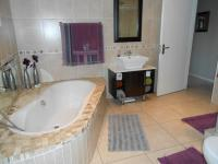 Bathroom 1 - 10 square meters of property in Dalview