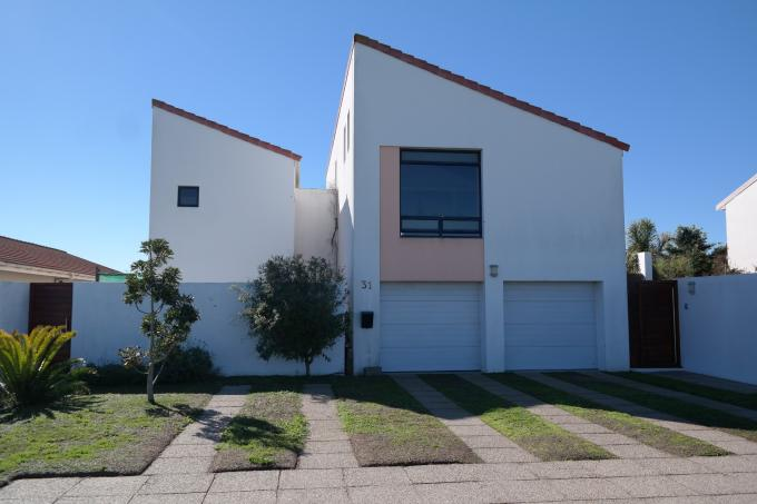 2 Bedroom House for Sale For Sale in Port Owen - Home Sell - MR113908