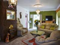 Lounges of property in Brackenhurst