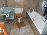 Main Bathroom - 6 square meters of property in Colchester
