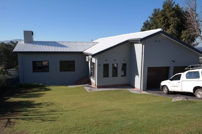 4 Bedroom House for Sale For Sale in Grabouw - Private Sale - MR114054