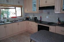 Kitchen - 17 square meters of property in Grabouw