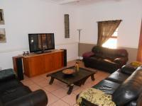 Lounges - 77 square meters of property in Benoni