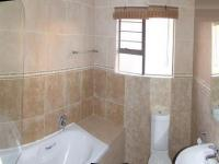 Bathroom 1 - 5 square meters of property in Brookelands Lifestyle Estate