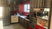 Kitchen - 14 square meters of property in Bendor