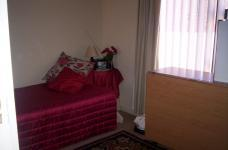 Bed Room 2 - 15 square meters of property in Reebok