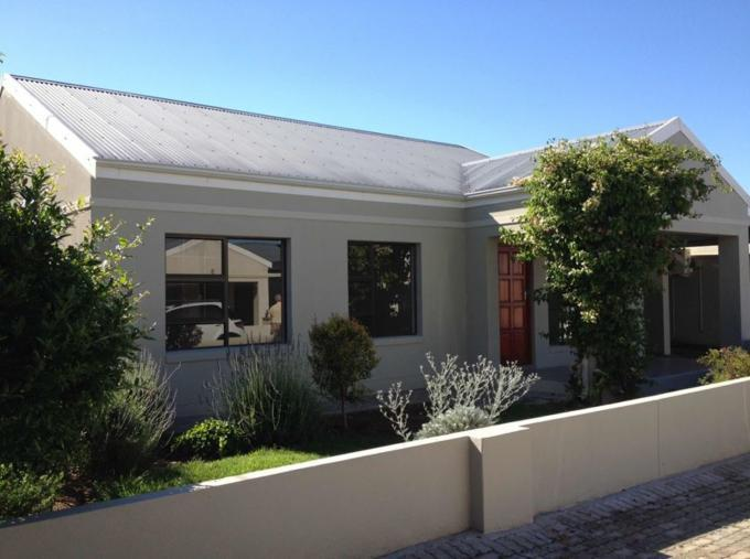 3 Bedroom Cluster for Sale For Sale in Oudtshoorn - Home Sell - MR114146
