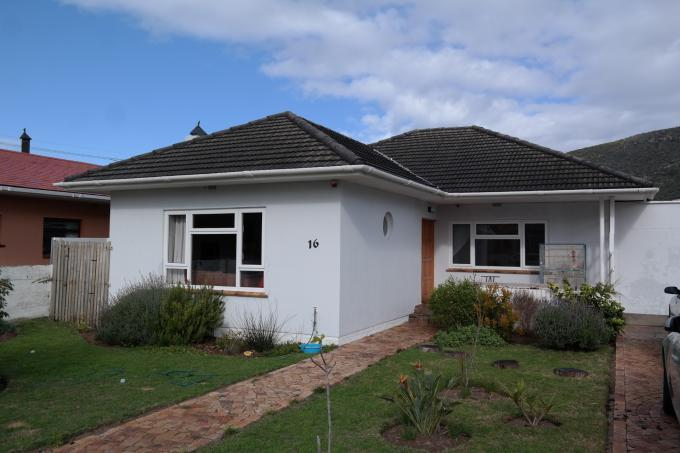 3 Bedroom House for Sale For Sale in Fish Hoek - Private Sale - MR114194