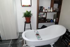 Main Bathroom - 13 square meters of property in Fish Hoek