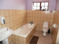 Bathroom 1 - 5 square meters of property in Kingsburgh