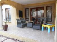 Patio - 28 square meters of property in Halfway Gardens