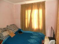 Bed Room 1 - 8 square meters of property in Umkomaas