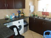 Kitchen - 8 square meters of property in Kosmosdal