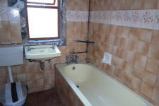 Bathroom 1 - 5 square meters of property in Maitland