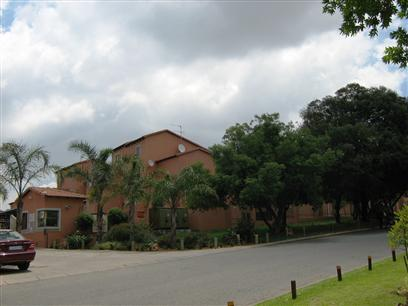 3 Bedroom Duplex To Rent in Northgate (JHB) - Private Rental - MR11428