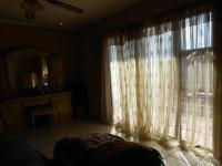 Main Bedroom - 28 square meters of property in Dobsonville