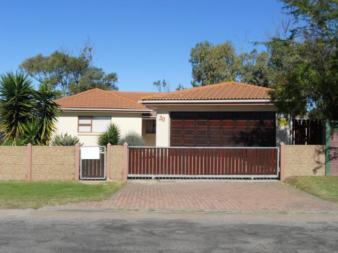 3 Bedroom House for Sale For Sale in Jeffrey's Bay - Private Sale - MR114294