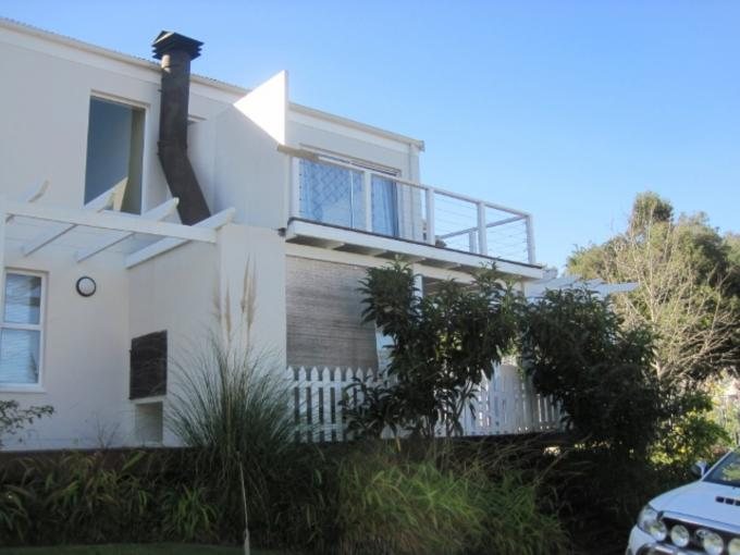 2 Bedroom Simplex For Sale in Knysna - Home Sell - MR114298