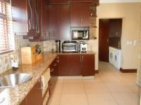 Kitchen - 30 square meters of property in Ruimsig