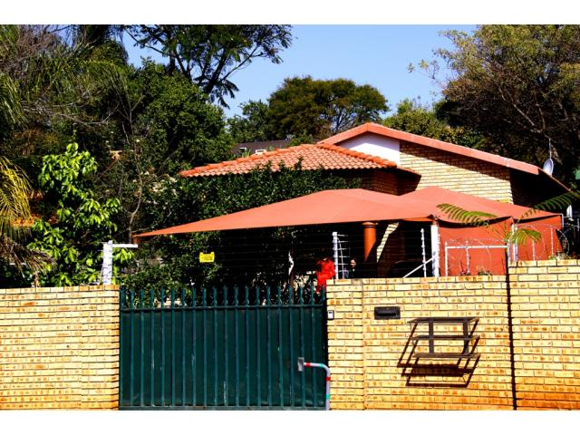 3 Bedroom House for Sale For Sale in Rustenburg - Home Sell - MR114308