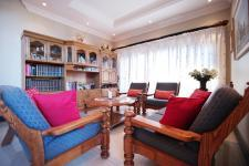 Lounges - 21 square meters of property in The Wilds Estate