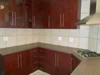 Kitchen - 15 square meters of property in La Montagne