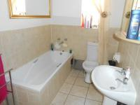 Main Bathroom - 7 square meters of property in Karenpark