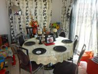Dining Room - 13 square meters of property in Karenpark