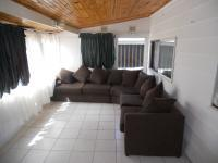 Lounges - 12 square meters of property in Mtwalumi