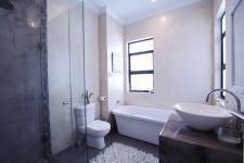 Bathroom 3+ - 8 square meters of property in The Wilds Estate