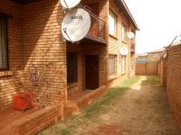 Patio - 5 square meters of property in Meredale