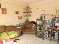 Lounges - 22 square meters of property in Daspoort