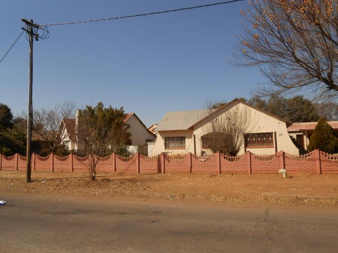 4 Bedroom House for Sale For Sale in Klerksdorp - Private Sale - MR114501