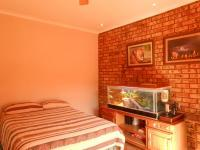 Bed Room 1 - 15 square meters of property in Potchefstroom