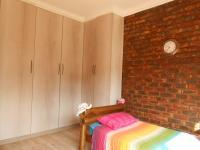 Bed Room 4 - 14 square meters of property in Potchefstroom