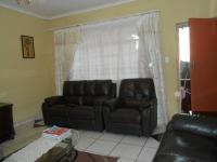Lounges - 23 square meters of property in Forest Hill - JHB