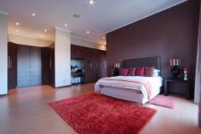 Bed Room 3 - 44 square meters of property in Silver Lakes Golf Estate