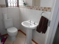 Bathroom 1 - 1 square meters of property in Ravenswood