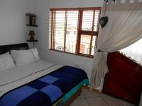 Main Bedroom - 12 square meters of property in Ravenswood