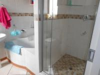 Main Bathroom - 6 square meters of property in Ravenswood