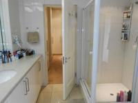 Main Bathroom - 14 square meters of property in Bedford Park