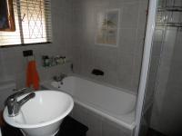 Main Bathroom - 6 square meters of property in Warner Beach