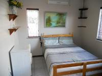 Bed Room 1 - 12 square meters of property in Warner Beach