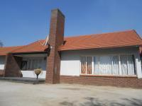 6 Bedroom 4 Bathroom in Emalahleni (Witbank)