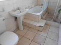 Bathroom 1 - 2 square meters of property in Emalahleni (Witbank)