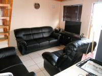 Lounges - 15 square meters of property in Algoa Park