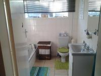 Main Bathroom of property in Brenthurst