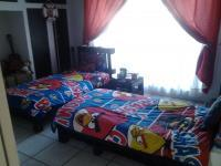 Bed Room 1 of property in Brenthurst